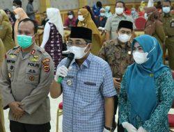 Bupati Tanjabbar Melaksanakan Gerakan Serempak Pekan Vaksinasi Lansia se-Provinsi Jambi